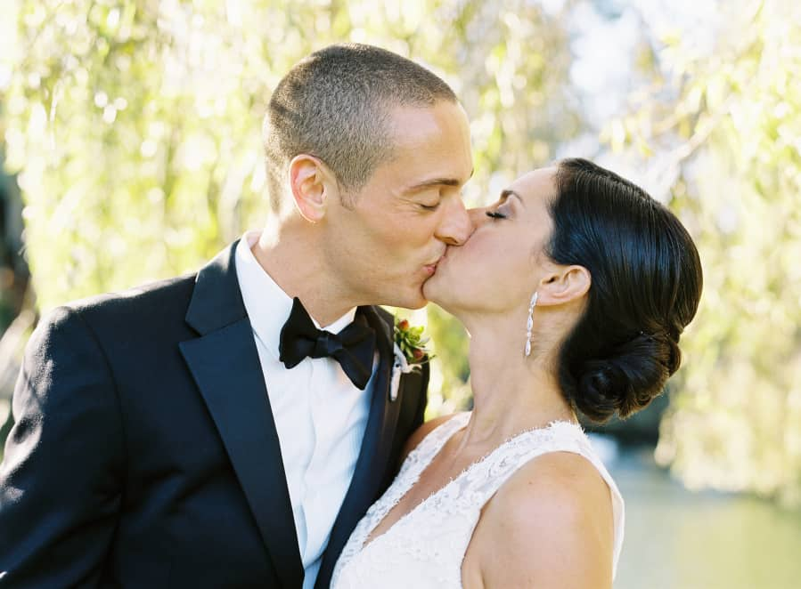 Kissing under a willow tree