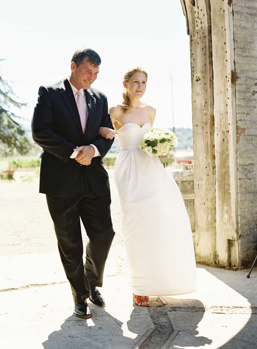 father walking bride to ceremony