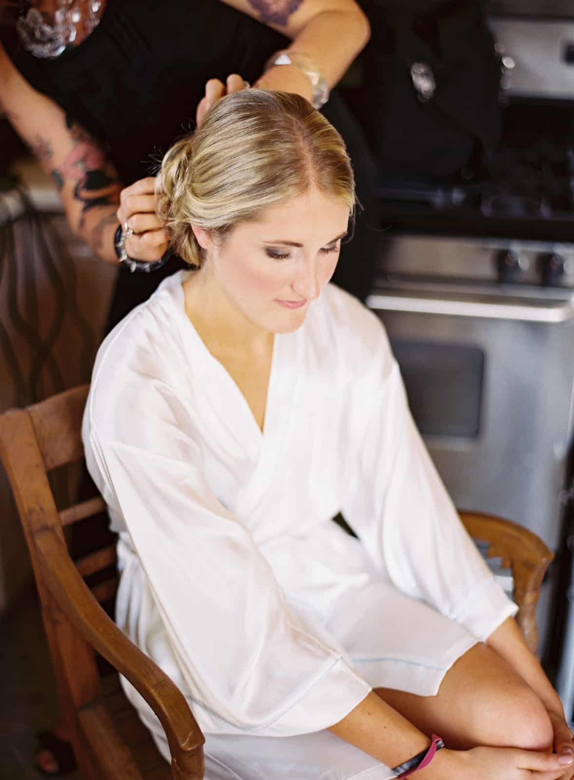 bride getting ready hair