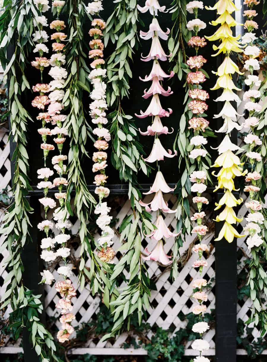 flower garlands carnation lily laurel