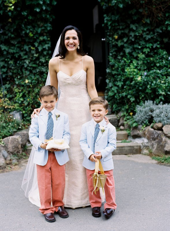 searsucker ring bearers with bride