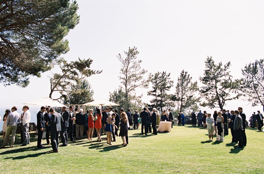 guests mingling and having drink before the ceremony