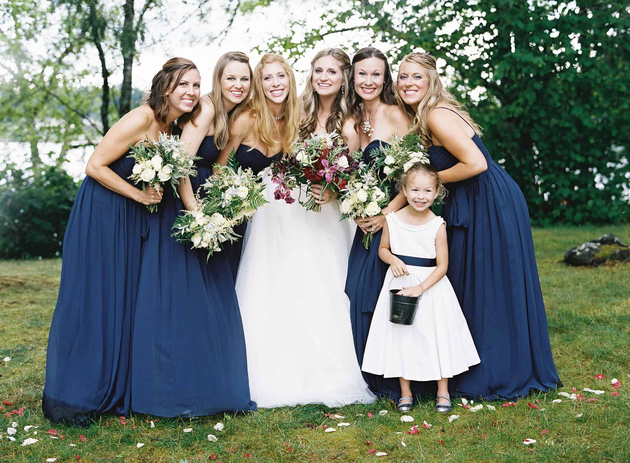 bride and bridemaids group photo