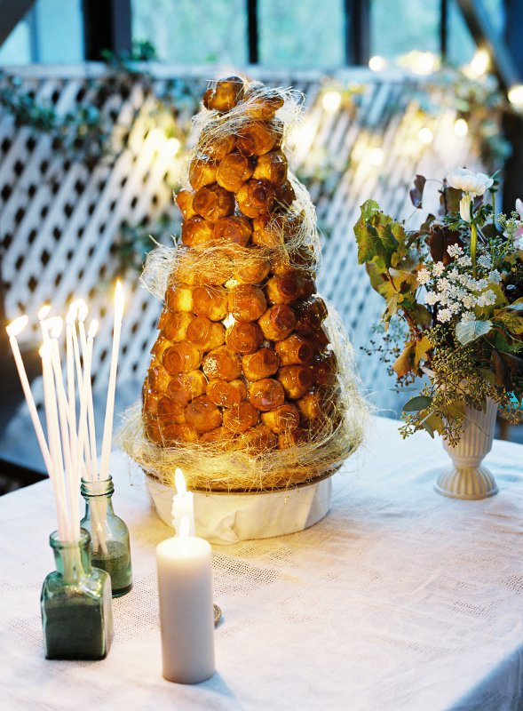 croquembouche and candles