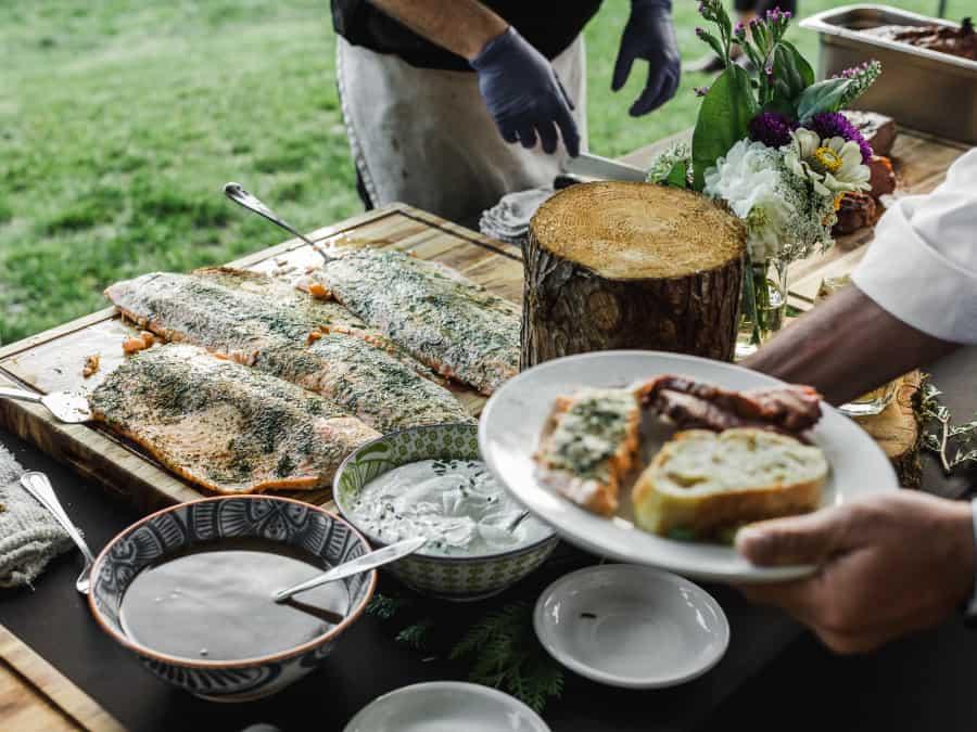 dinner buffet herbed salmon