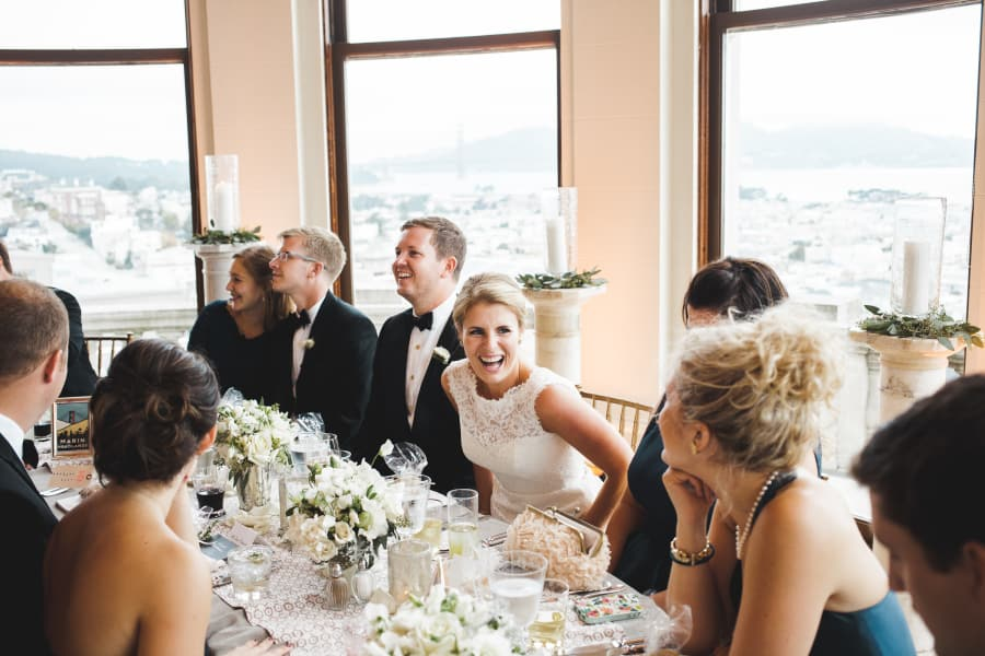 head table with view of golden gate bridge