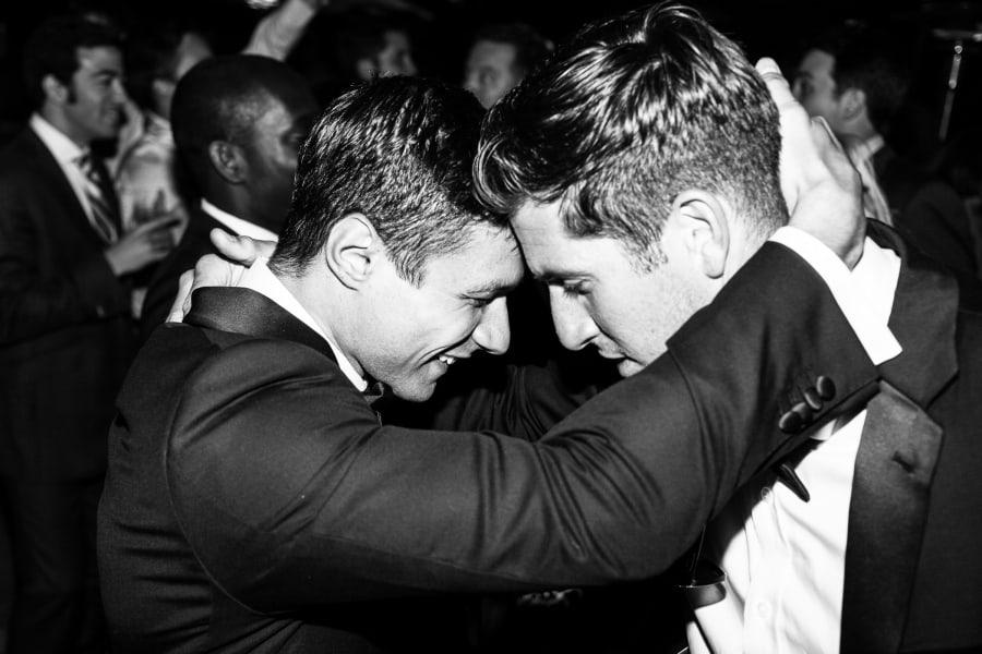 groom head to head with friend