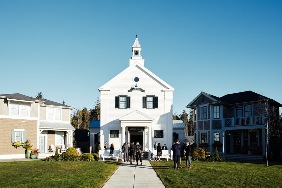outside seabrook town hall wedding venue