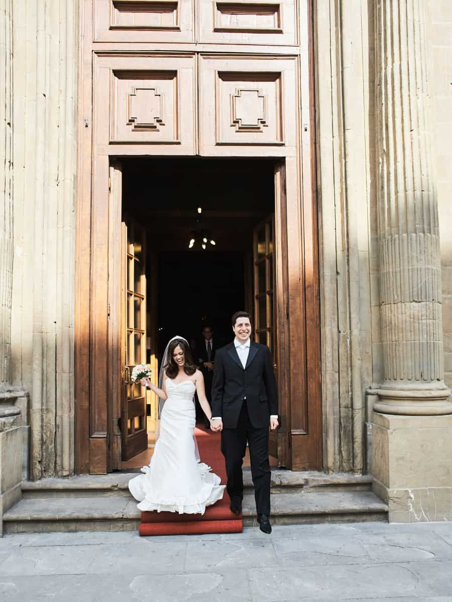 couple leaving destination wedding in florence italy